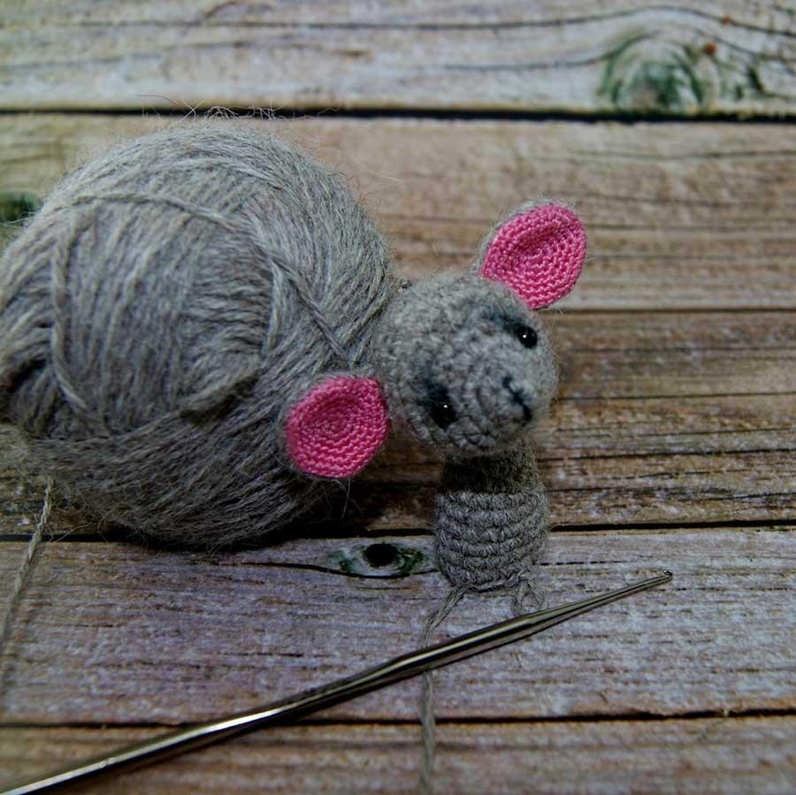 Мышонок крючком: чудо в 8 см