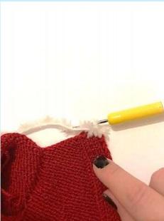 Рождественский вязаный мишка крючком