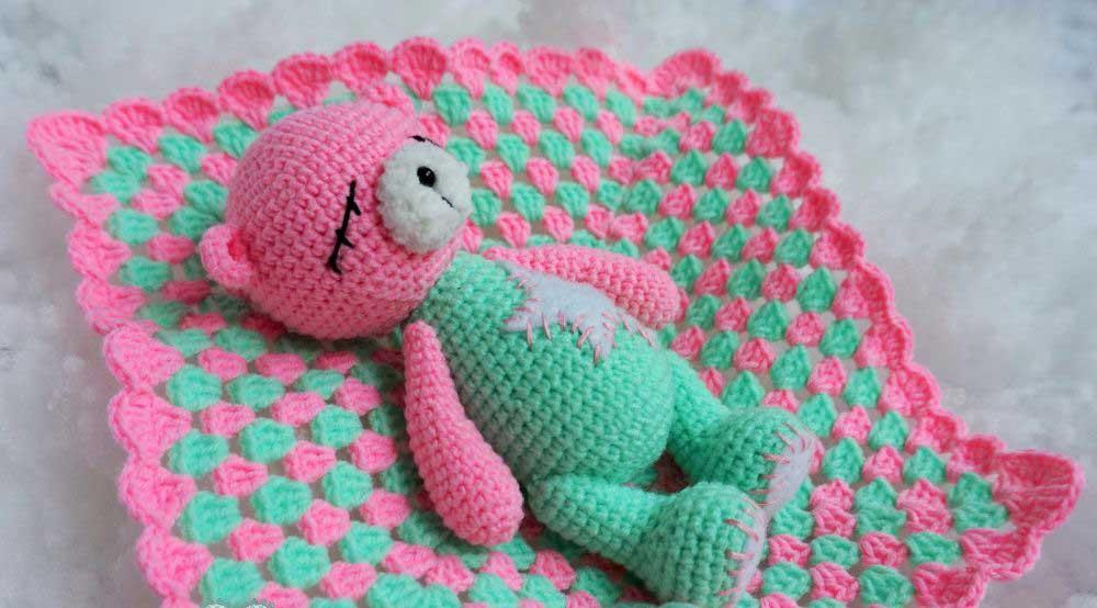 Медвежонок крючком: игрушка-сплюшка
